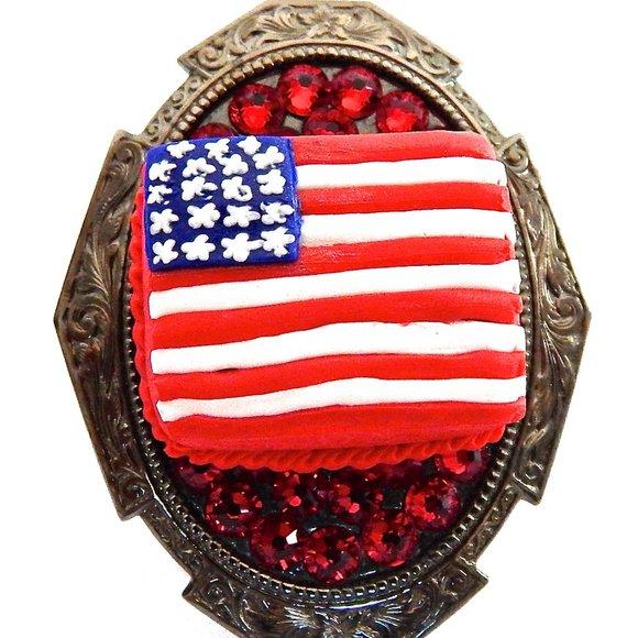 USA CAKE SWAROVSKI RHINESTONE RING